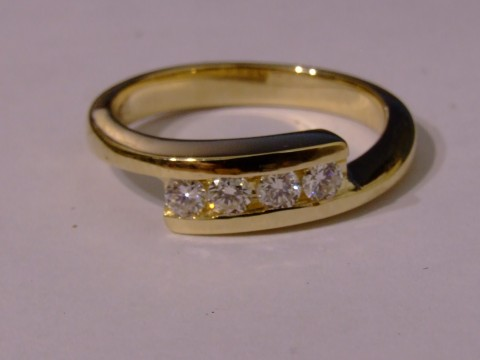 Diamond set by pass band image